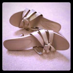 Liz Claiborne leather gold heels shoes sz 8.5
